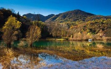 небо, деревья, озеро, горы, осень, лодка, черногория