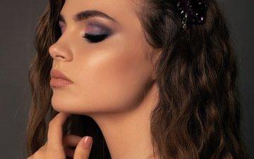 рука, девушка, портрет, модель, профиль, лицо, макияж, прическа, локоны, закрытые глаза
