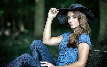 стиль, девушка, взгляд, модель, джинсы, лицо, шляпа, сидя