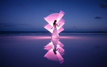 свет, берег, девушка, отражение, море, поза, песок, пляж, горизонт, светографика