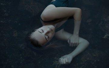 девушка, лицо, лежа, закрытые глаза, в воде, greta larosa