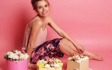 цветы, девушка, фон, улыбка, юбка, модель, букеты
