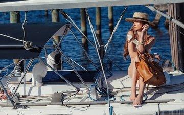 девушка, яхта, шляпка