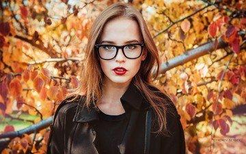 листья, девушка, портрет, осень, очки, модель, красная помада