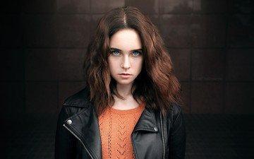 девушка, портрет, взгляд, модель, лицо, голубые глаза, длинные волосы, кожаная куртка