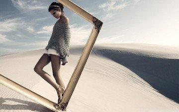 стиль, девушка, песок, модель, ножки, рамка, свитер
