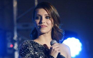 улыбка, актриса, певица, макияж, длинные волосы, телеведущая, регина тодоренко