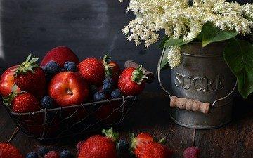 цветы, фрукты, яблоки, клубника, букет, ягоды, черника, натюрморт