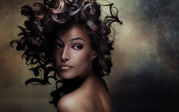 девушка, взгляд, модель, кудри, макияж, прическа