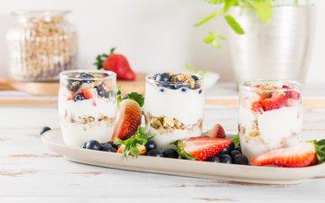 орехи, ягоды, завтрак, йогурт, овсянка, гранола
