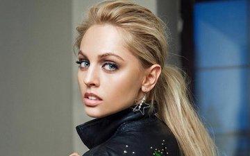 девушка, блондинка, актриса, макияж, длинные волосы, большие глаза, янина студилина