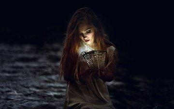 девушка, портрет, лампа, темно