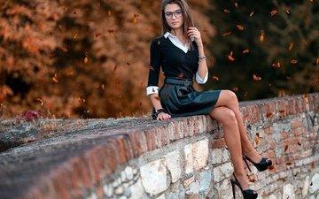 девушка, поза, взгляд, очки, модель, милая, милашка, стройная, высокие каблуки, marco squassina