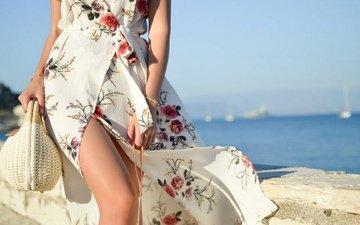 девушка, ножки, ляжки, шикарная фигура, платье в цветочек, мини платье