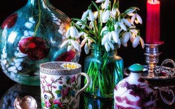 цветы, стиль, отражение, кружка, свеча, букетик, подснежники, натюрморт, ложка, бутыль