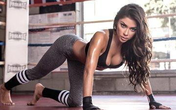 девушка, брюнетка, грудь, ножки, макияж, длинные волосы, фитнес, спортивная фигура