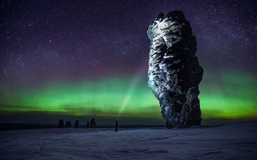 night, mountains, posts, nature, stones, winter, background, height, northern lights, russia, lantern, sport, iceland, plateau, journey, komi, the republic of komi, pillars of weathering, rock cliff, landscape wallpaper, the manpupuner