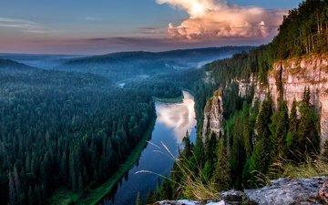 небо, трава, деревья, река, тучи, отражение, гора, красиво, хвойные, растительность
