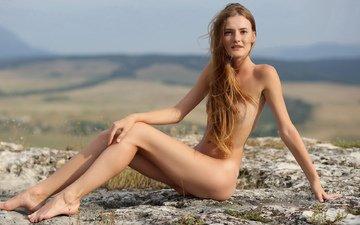 девушка, блондинка, юбка, грудь, чулки, холм, маленькая, одна, симпатичная, хвостики