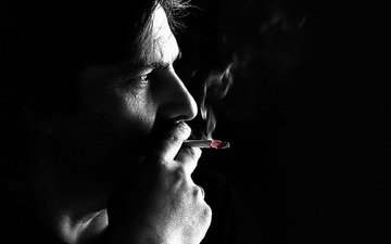 дым, курит, черный фон, лицо, мужчина, сигарета