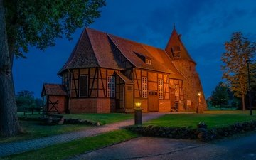 lights, the evening, house, church, the building, germany, lower saxony, suderburg, st remigius church