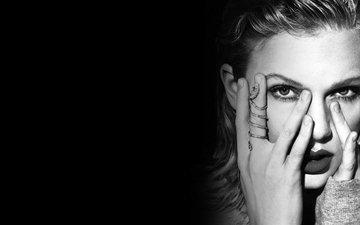девушка, портрет, взгляд, чёрно-белое, волосы, губы, лицо, певица, тейлор свифт