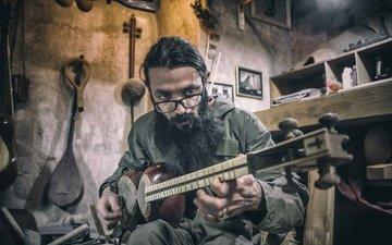 очки, струны, мужчина, музыкант, борода, музыкальный инструмент, иран
