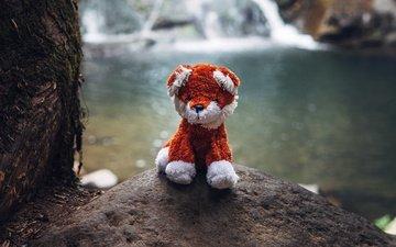 водопад, игрушка, камень, мягкая игрушка