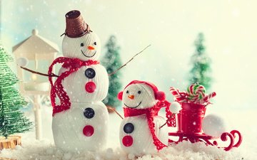 снег, новый год, конфеты, праздник, рождество, снеговики, санки, фигурка, композиция, декор