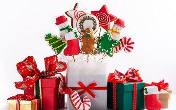 новый год, подарки, конфеты, человечки, праздник, рождество, композиция, декор, пряники