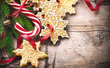 новый год, праздник, рождество, печенье, леденцы, угощения, ветки ели, новогоднее печенье