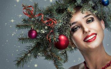 новый год, девушка, улыбка, ветки, шарики, лицо, макияж, рождество, венок, лицj