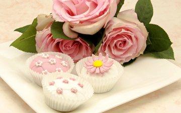 розы, букет, десерт, пирожные, кексы, капкейки