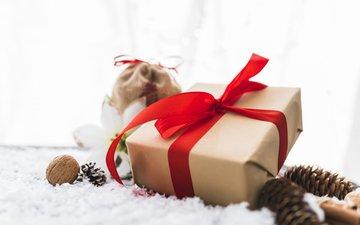 новый год, лента, подарок, праздник, рождество, шишки, valeria aksakova