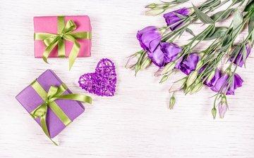 цветы, сердечко, подарки, букет, эустома, коробочки