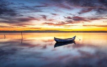 небо, облака, вечер, озеро, закат, пейзаж, горизонт, лодка, гладь