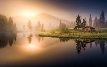 деревья, вода, озеро, горы, лес, отражение, утро, туман, рассвет, домик