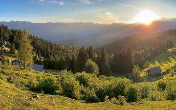 небо, трава, деревья, горы, солнце, лес, склон, панорама, домики, словения