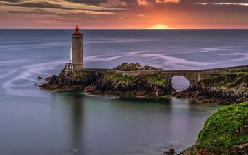 закат, море, маяк, франция, франци, бретань, маяк пети мину, плузане, plouzané, petit minou lighthouse, пролив гуле де брест, goulet de brest, брнтань